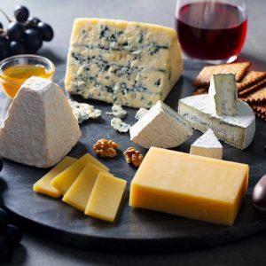 Colis fromage – 8€ /pers (à partir de 2 personnes)