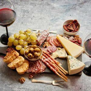 Colis fromage et salaisons – 11 € /pers (à partir de 2 personnes)