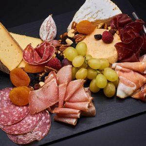 Plateau fromage & salaisons – 12,50€ /pers  (à partir de 4 personnes)